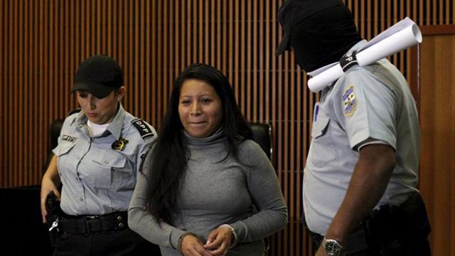 法媒:流产是重罪?她因为流产被判20年徒刑