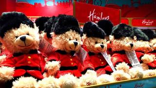 雪上加霜 传统玩具商受网络双重打击