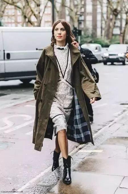 都知道秋冬必备马丁靴,但是怎么穿才最有型?