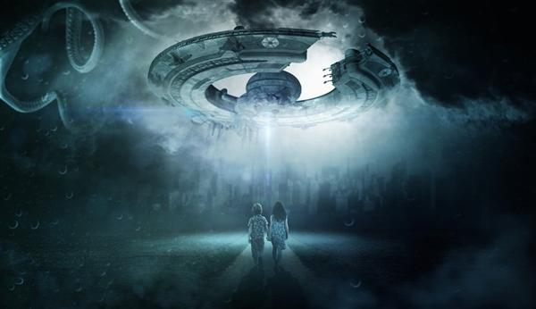 """景象夸张:猎鹰9号""""惹祸"""" 发射当天被误认为UFO"""