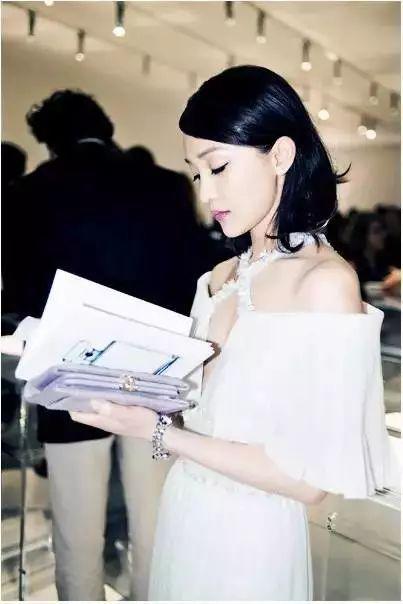 她被传小三还撩霍建华,但她就是陈坤真爱!