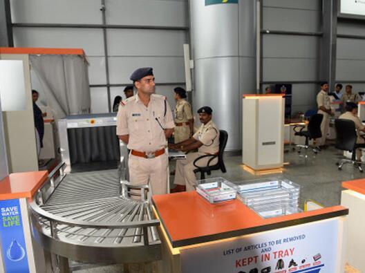 新年假期临近 印度加强机场安保警戒提防恐袭