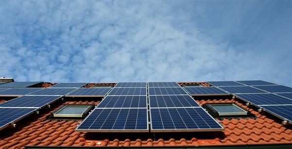 特斯拉造世界最大锂离子电池:蓄满超强 但...