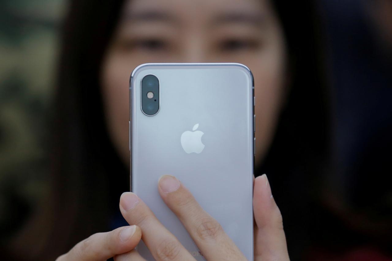 苹果砍掉iPhone X 40%订单?供应商称未收到通知