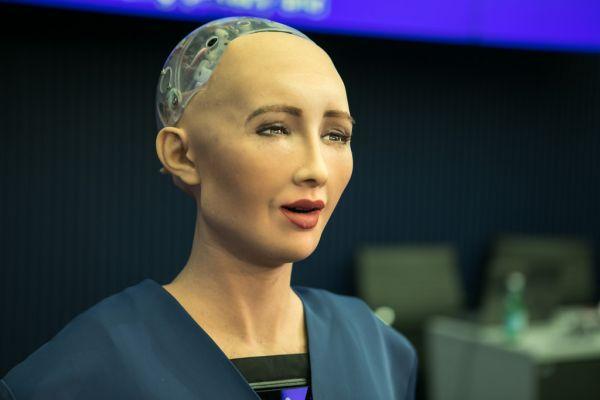 机器人越来越聪明了 是否应该赋予TA更多权利?