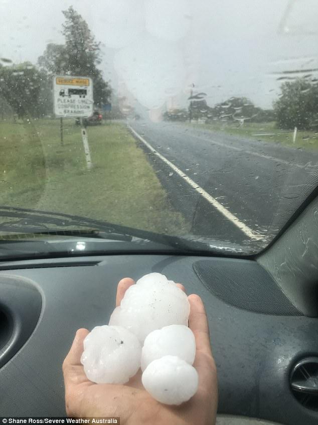 澳东部遭遇超强风暴 降下高尔夫球般大冰雹