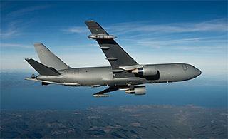 中国的差距再被拉大了:美军KC46加油机首飞