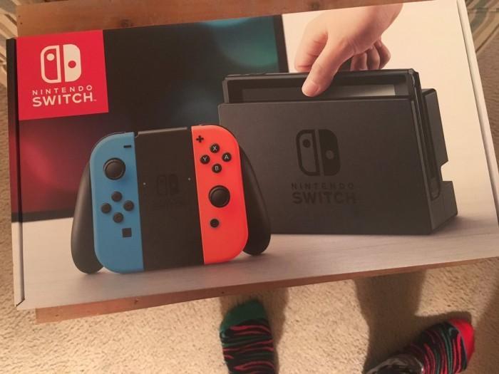 """玩家圣诞节收到""""Switch"""" 打开盒子欲哭无泪"""