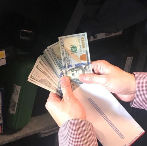 美现金管理趋严 华人女子连续存现金账户遭关闭