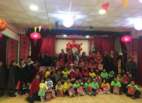 外媒:班牙华人群体日渐活跃 积极融入当地生活环境