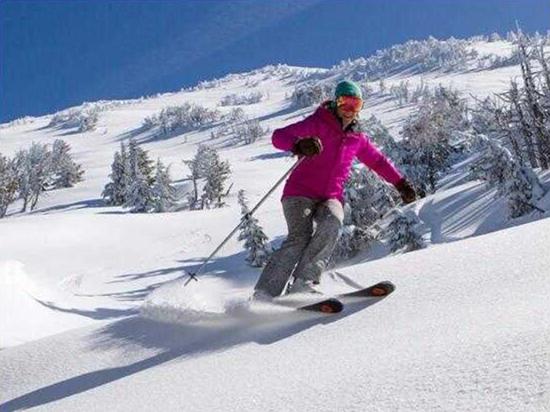 冬季好去处!美媒盘点北美19个平价滑雪胜地