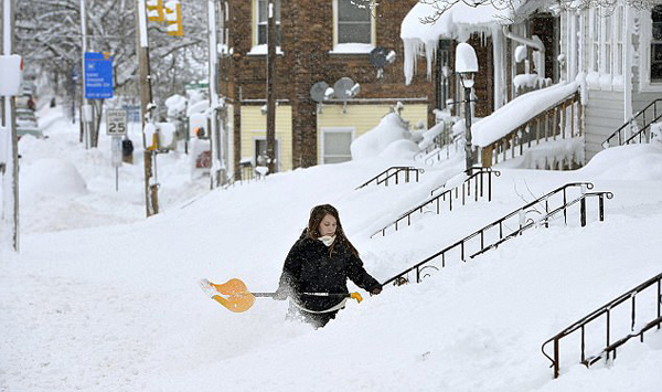 延时摄影记录美伊利市肆虐48小时暴雪