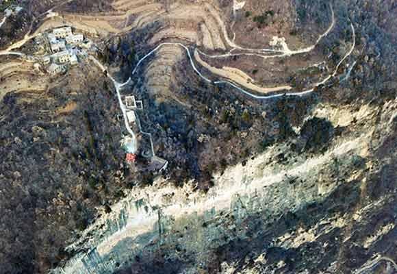 太行山深处一村仅剩一户人家 八代人坚守