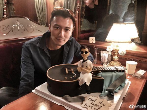 王菲做什么菜谢霆锋说都喜欢,不过比起天后好像他更会做饭!