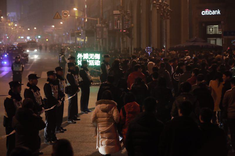 赌博平台最有信誉的:上海PM2.5达重污染难阻跨年热情_外滩游客超30万