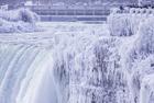 尼亚加拉瀑布因严寒冰冻