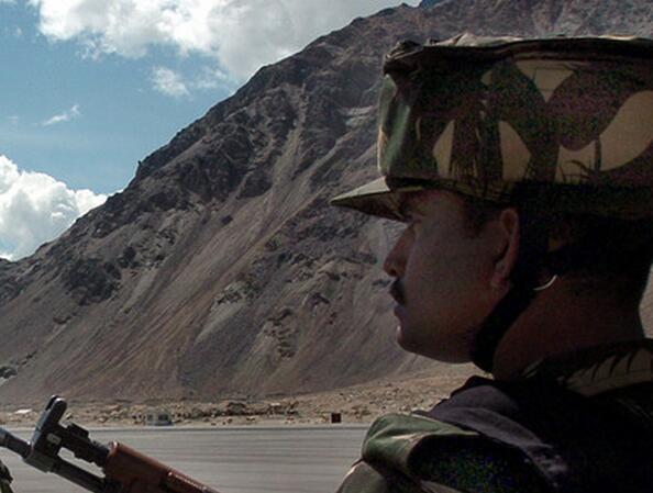 印度国防部首次允许民营企业管理陆军基地工作坊