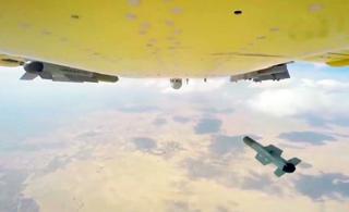 翼龙II无人机一架次发射五种不同导弹 五发五中