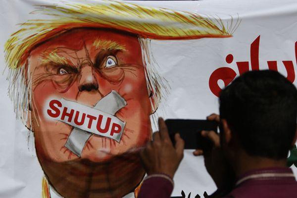 巴基斯坦民众举行反特朗普示威:闭嘴吧你!