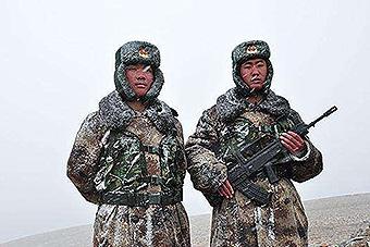 致敬!中国军人在高原藏区感人瞬间