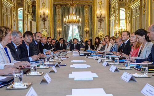 法国2018改革路线图曝光:为企业松绑 应对难民潮