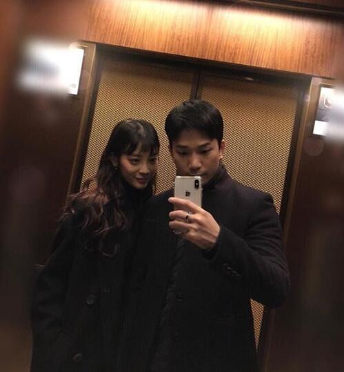 又一对韩星宣布在一起 G.O晒与崔艺瑟合照公布恋情