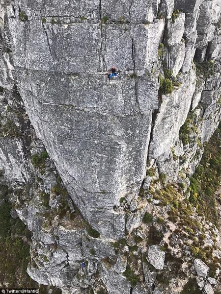 南非旅游团登山出意外致两死一伤