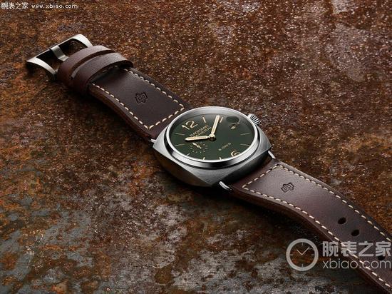 沛纳海8日动力储存钛金属腕表(型号:PAM00735)