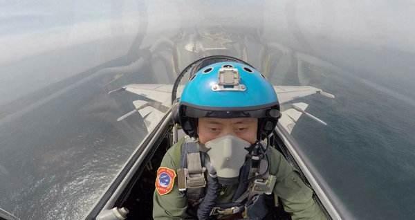 港媒:中国培养更多舰载机飞行员欲扩大航母舰队