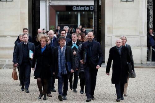 法国内阁会议详解改革进度 总理菲利普呼吁团队精神