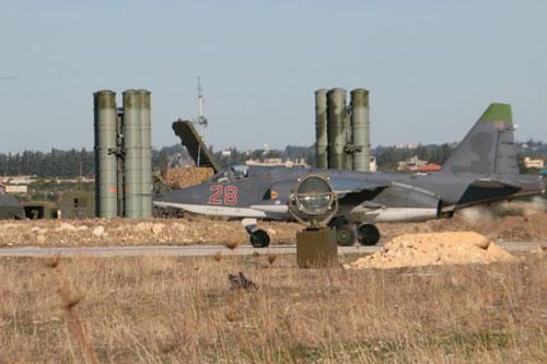 俄驻叙空军基地遇袭7架军机被毁 俄媒疑与美有关