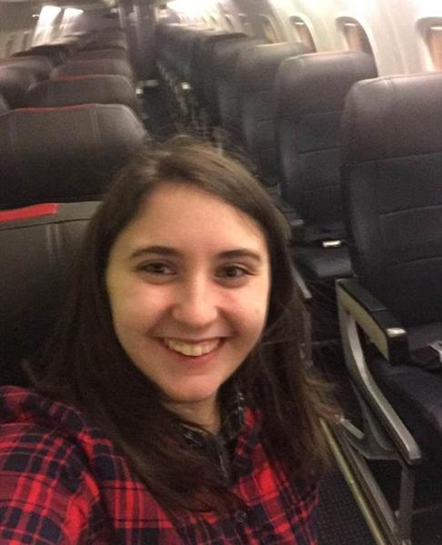 """美国一女子因航班取消改签后意外享受""""豪华包机"""""""