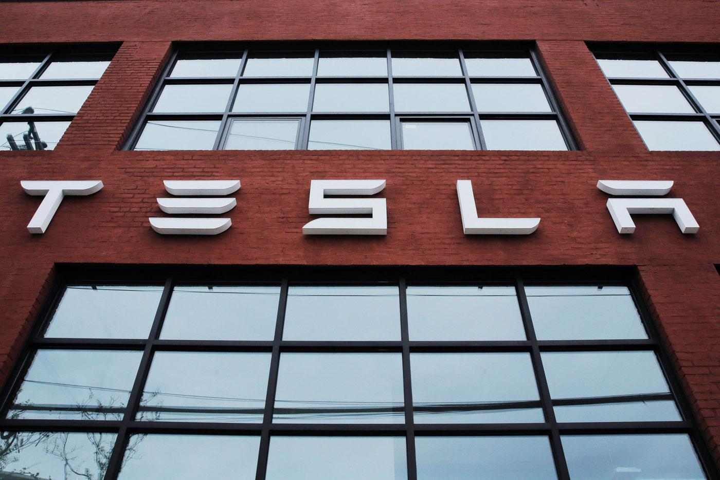 仍在生产地狱挣扎 特斯拉再度推迟Model 3产量目标
