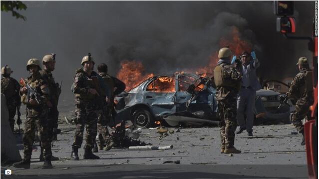 阿富汗首都发生自杀式炸弹攻击 致11死25伤