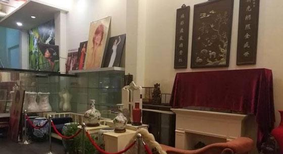 高雄邓丽君音乐馆被关闭 遗物被当成垃圾堆置