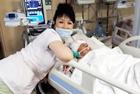 俄护士在濒死病人床前自拍