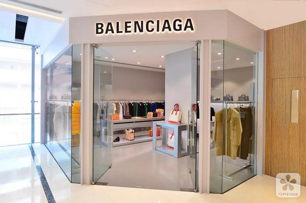 Balenciaga香港首间奥莱店进驻香港佛罗伦斯小镇