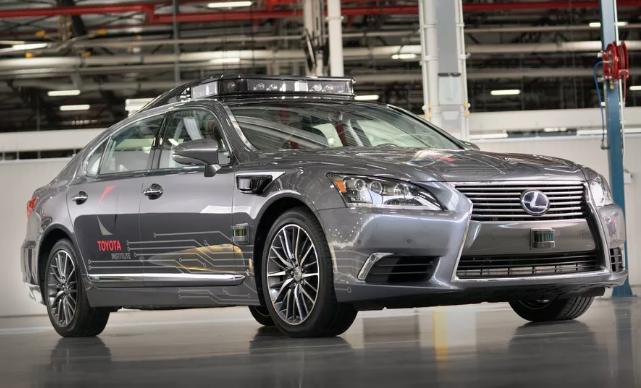 丰田自动驾驶汽车360度全方位探测距离达200米