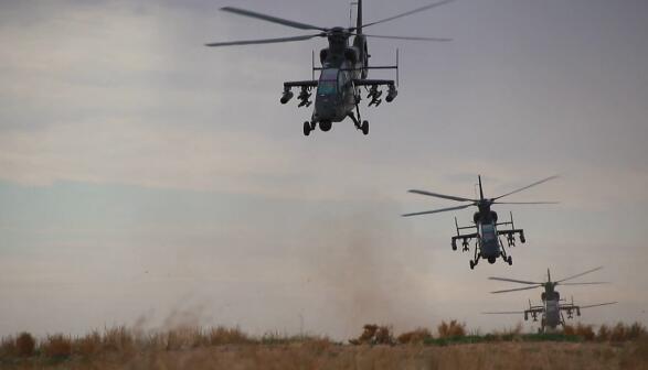 陆军某空中突击部队以冲锋姿态投入新年度训练
