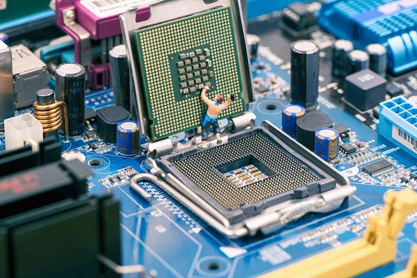 CPU的Bug真能用软件修补?盘点CPU爆过的大Bug