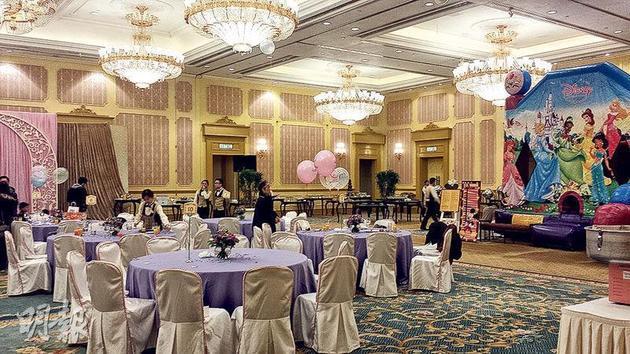 郭富城为女儿开公主派对 场地是粉红色像游乐园