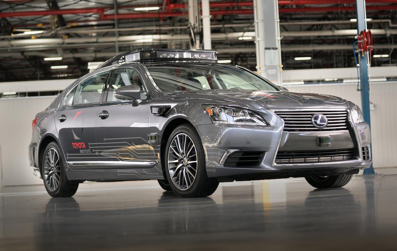 丰田公布最新自动驾驶原型车 半径200米无死角识别