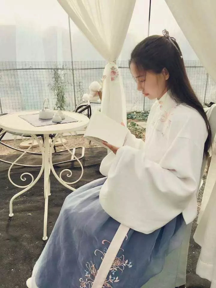 """真人赌博平台:杭州""""小仙女""""爆改200平米荒地_造出绝美秘密花园"""