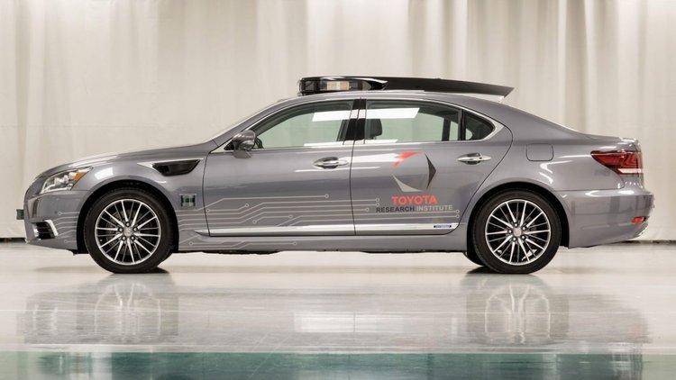 消息称丰田将在CES上展示无人驾驶车Platform3.0