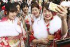日本和服妹子参加成人节