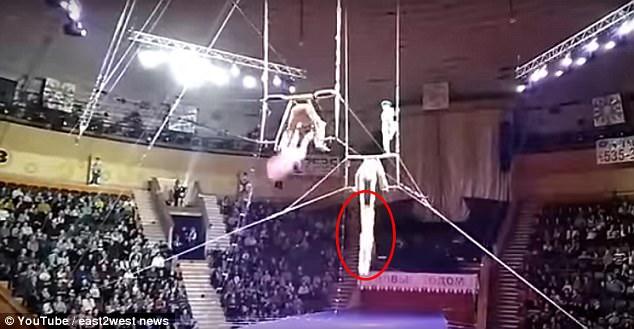 白俄罗斯杂技演员遇意外从12米高空坠落