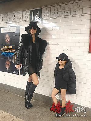 """纽约地铁无裤日 华人集体""""耍流氓""""感受美国文化"""