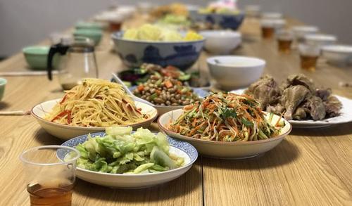 中国留学生不喜英国餐 倾向家常菜和国际美食