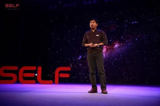 姜鹏:FAST望远镜有4450块反射面 作为组长略崩溃