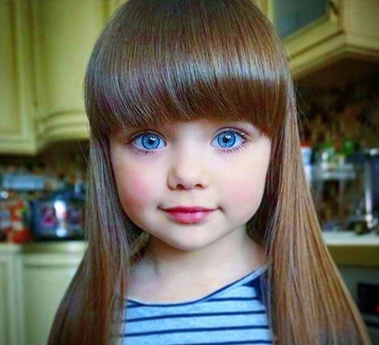 """这个小姑娘大家一定眼熟,被称为""""全球最美女童""""的她不止在国外火"""